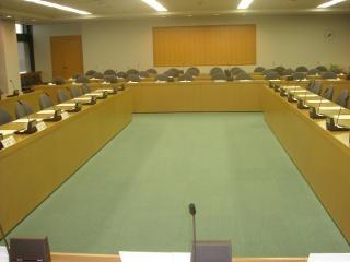 委員会室1